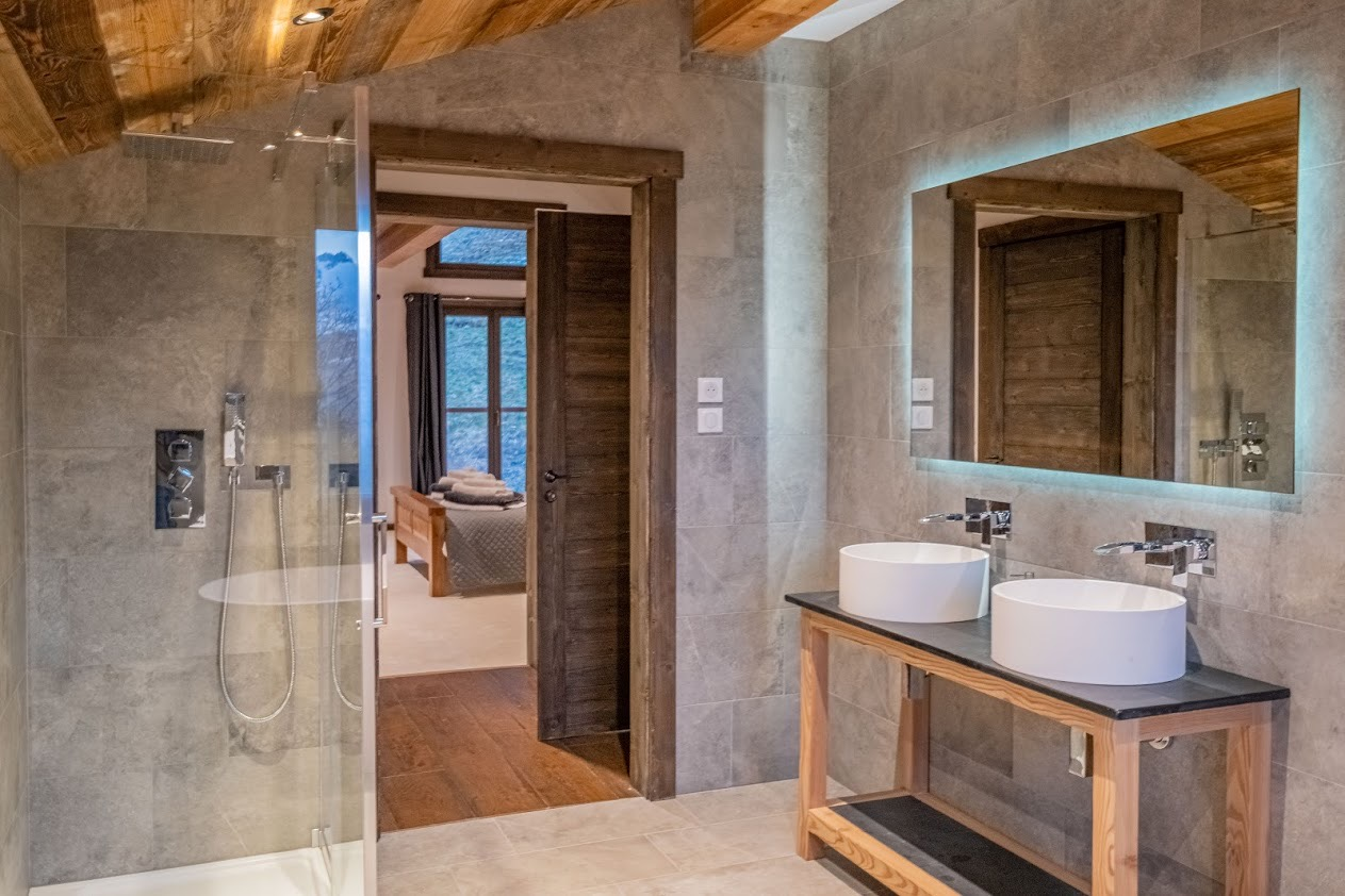 chalet-design-bathroom