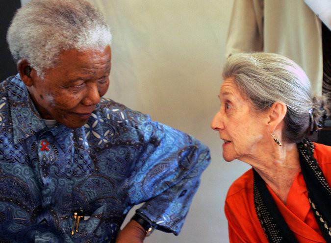 African writer Nadine Gordimer with Mandela in Johannesburgh, 2005 (Credit Radu Sigheti/Reuters)