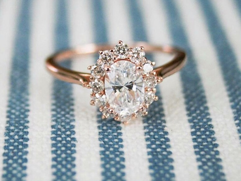Oval Brilliance in Rose Gold