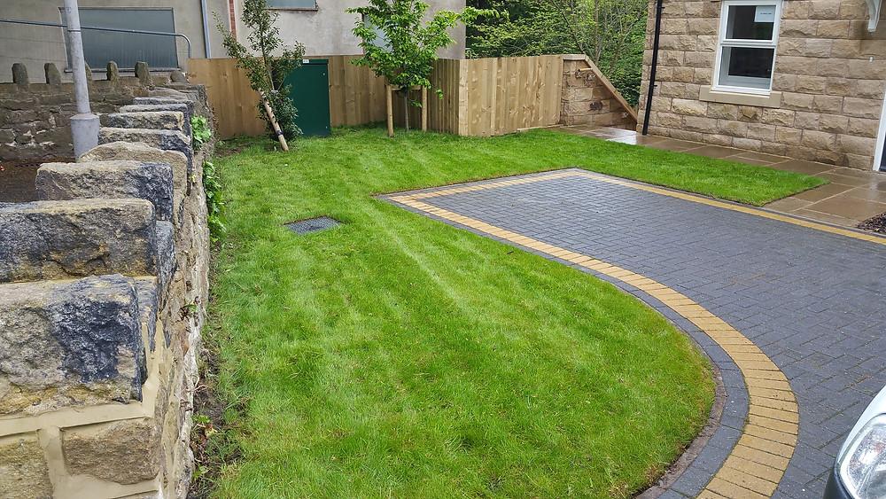 Gardener Shipley, Bradford, lawn edging