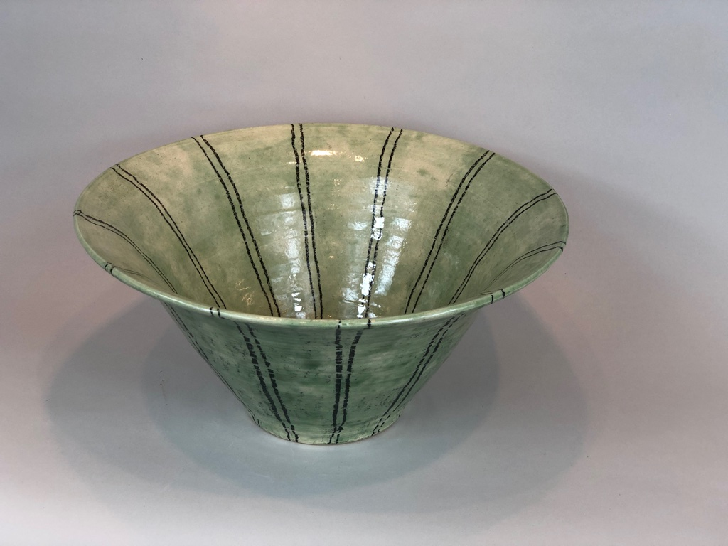 Black line Green Bowl