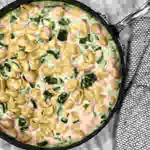 Creamy cauliflower mac and cheese