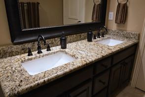 granite-countertops-good-for-a-bathroom-