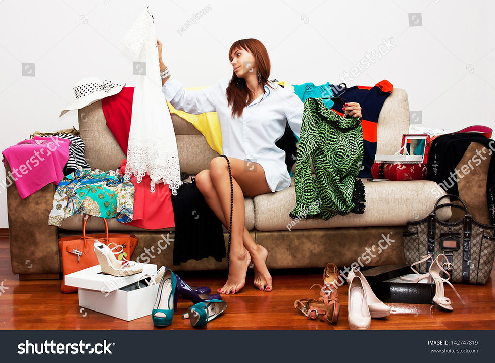stock-photo-girl-going-on-vacation-14274