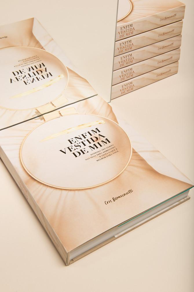 """Casa do Saber & Cris Bemvenutti convida para lançamento do livro """"Enfim Vestida de Mim&quot"""
