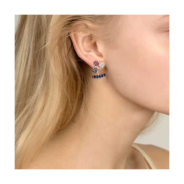 AC 2019 Model with earrings-2.jpg