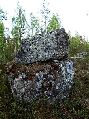 pilpansalo pienempi kivi.jpg