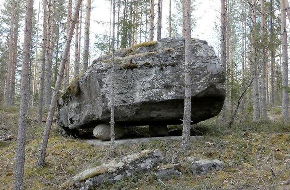 takunniemen kivi pieni.jpg