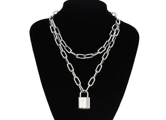 Lock Chain Necklace With a Padlock Pendants