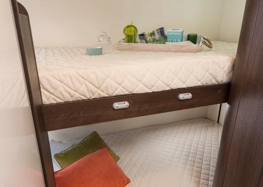 Zefiro 675_bunk beds.JPG