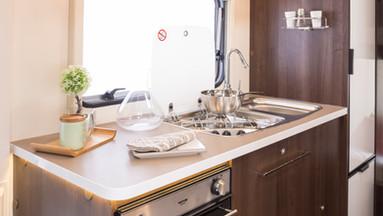 Zefiro 675 Kitchen.jpg