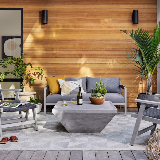 Sherwood-outdoor-sofa-and-Delwin-square-