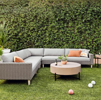 Remi Outdoor 3-Piece Sectional  Jolene Table