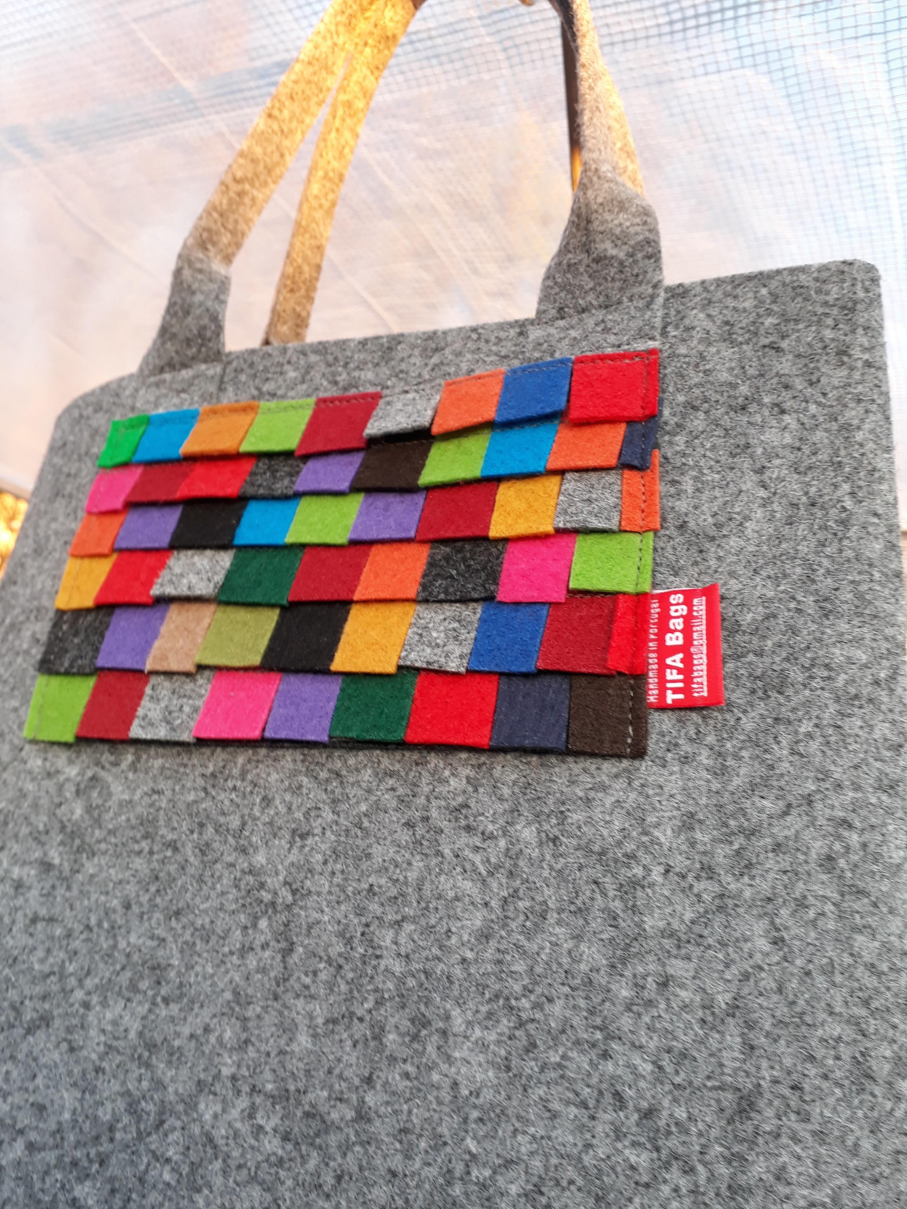 Grey market bag little squares pocke