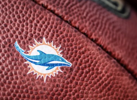 Miami Dolphins Foundation Partners with Payless To Distribute 1,000 Meals and Shoe Vouchers to Miami