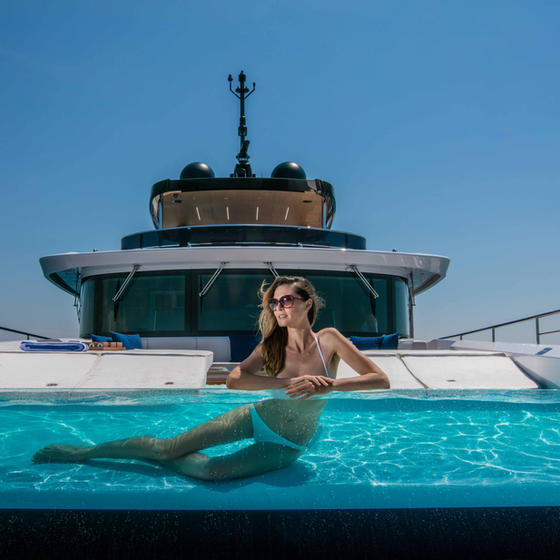 Mangusta: Live A Truly Personal Experience