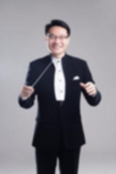 지휘자 박종화.jpg