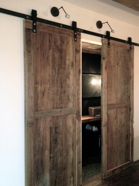 porte coulissante sur mesure. Black Bedroom Furniture Sets. Home Design Ideas