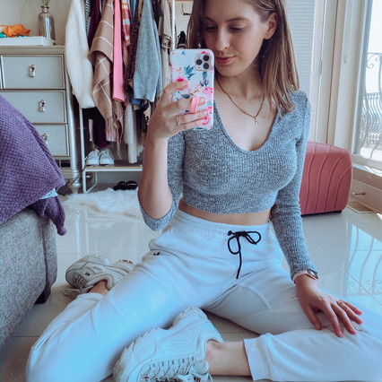 Comfy Loungewear Outfits For Self-Isolation
