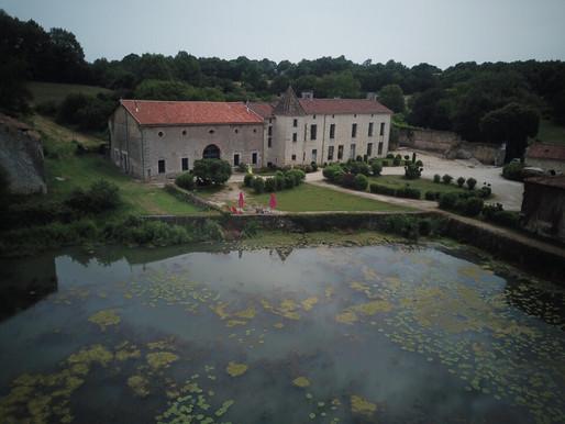 A VENDRE Château du XVe Nieuil - Rénovée - étang - forge - gîte - 5ha