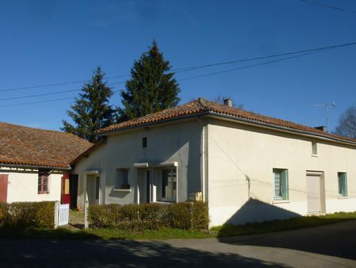 A VENDRE maison de campagne Chatain - 3 chambres vaste grange et jardin
