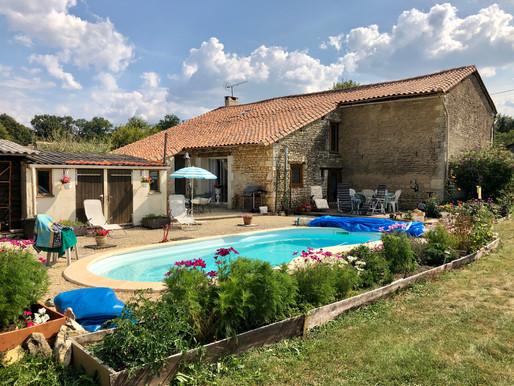A VENDRE maison de campagne Champniers - 3 chambres, grange attenante et piscine