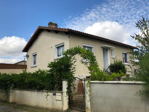 A VENDRE maison sur sous-sol rénovée - Saint-Saviol - 3 chambres - garage - jardin