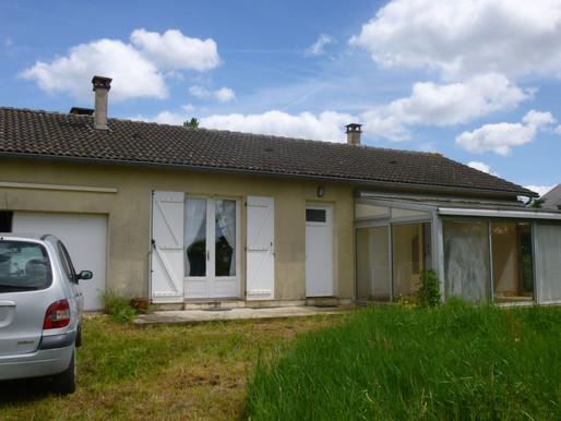 A VENDRE Maison de plain-pied Chapelle-Bâton - garage et jardin