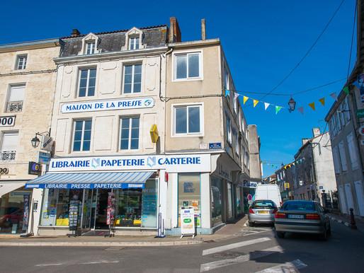 A VENDRE Immeuble de caractère Ruffec - centre-ville