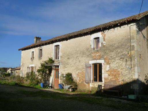 A VENDRE Fermette avec maison d'habitation 4 chambres et maison d'amis Romagne - 3961m² de terrain