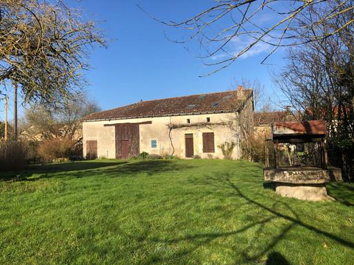 A VENDRE Maison de campagne avec une petite maison - La Chapelle-Bâton - grange attenante