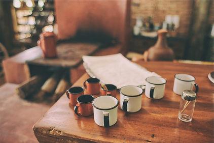 coffee-cups-meeting-1024x683-1024x683.jp