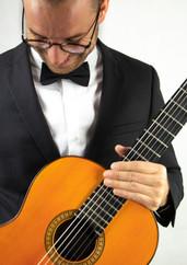 Spanish guitarist dress code