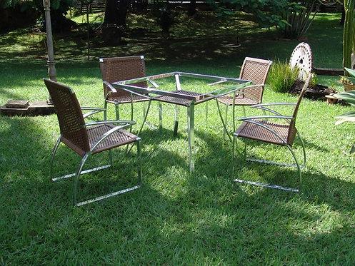 Conjunto de Mesa e Cadeiras Acalifa