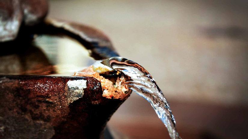 fonte-jorrando-agua.jpg