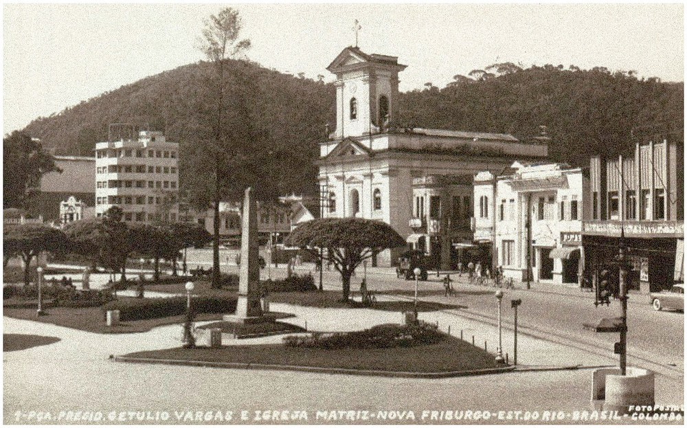 foto antiga praça Getúlio Vargas nova friburgo rj
