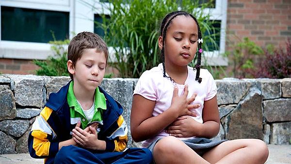 crianca-meditando.jpg