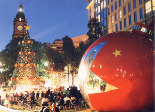Public celebrations, Giant Christmas tree and Orble