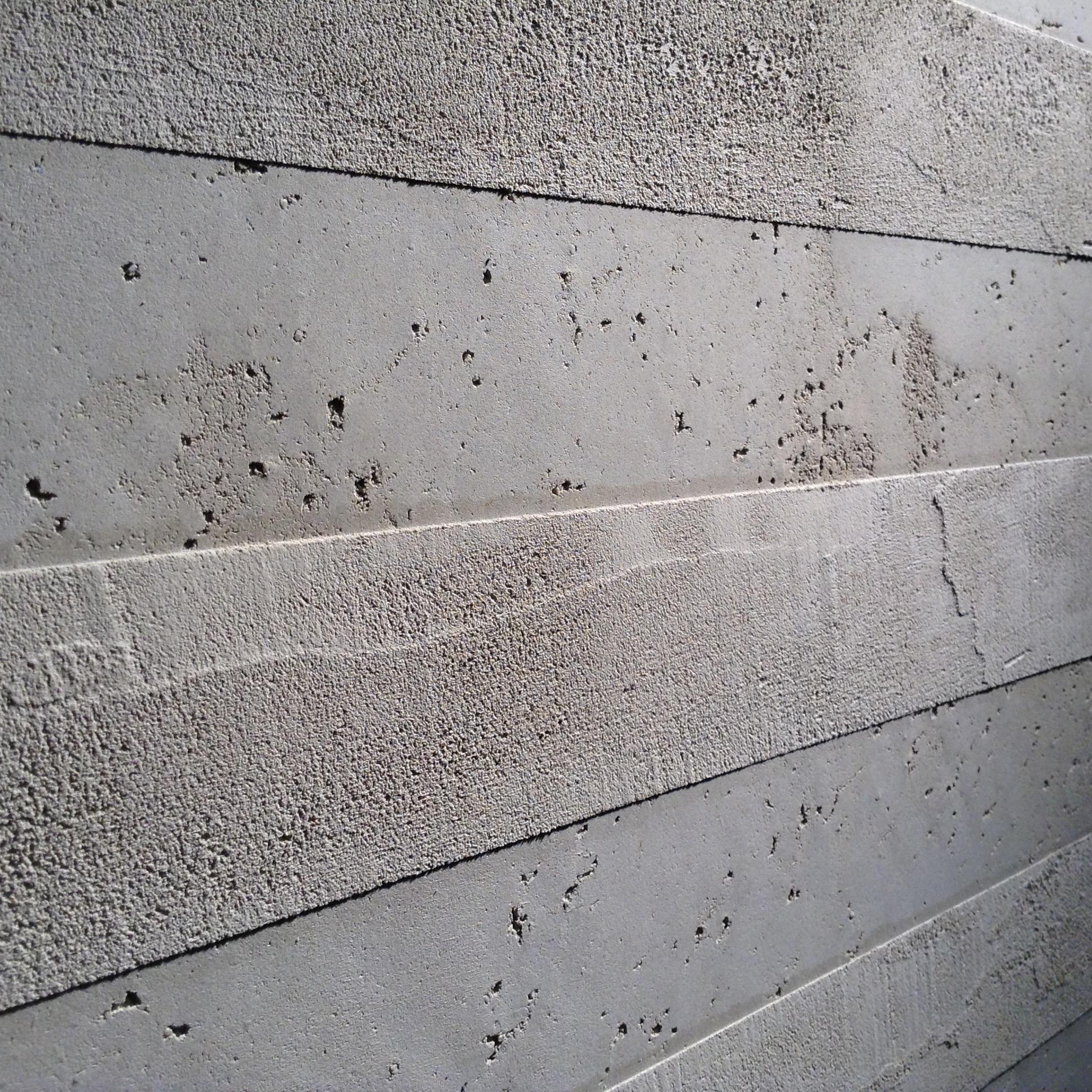 Stripes in faux concrete