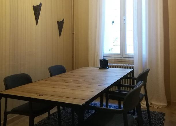 salle_réunion_4_personnes_coworking_mont