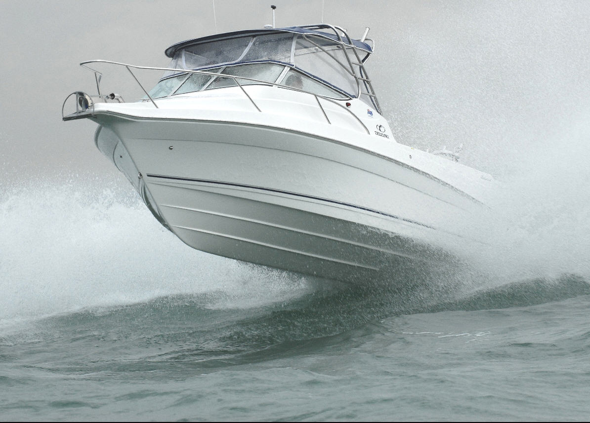 Coastal Bimini coming off wave