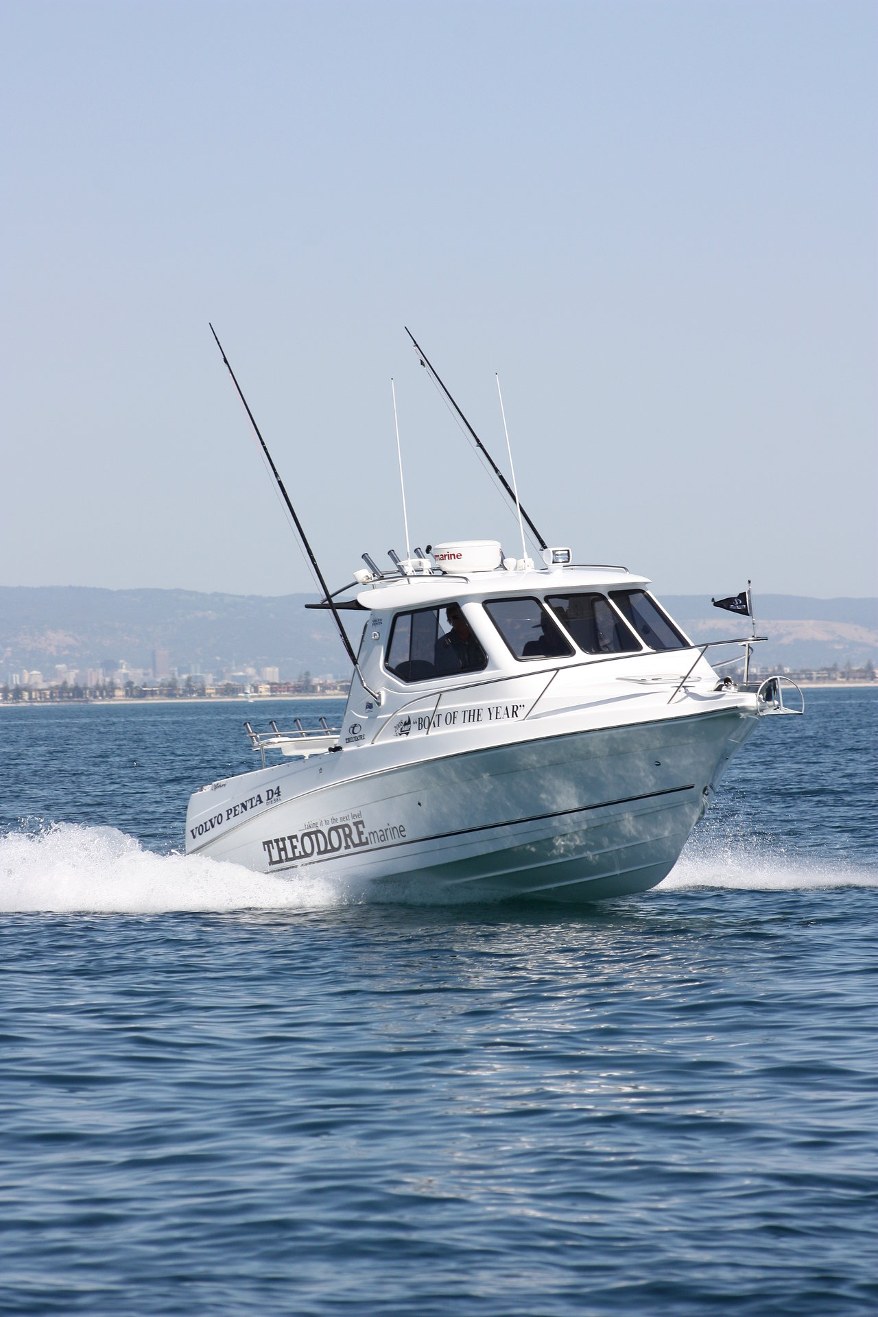 Theodore 720 Offshore Starboard