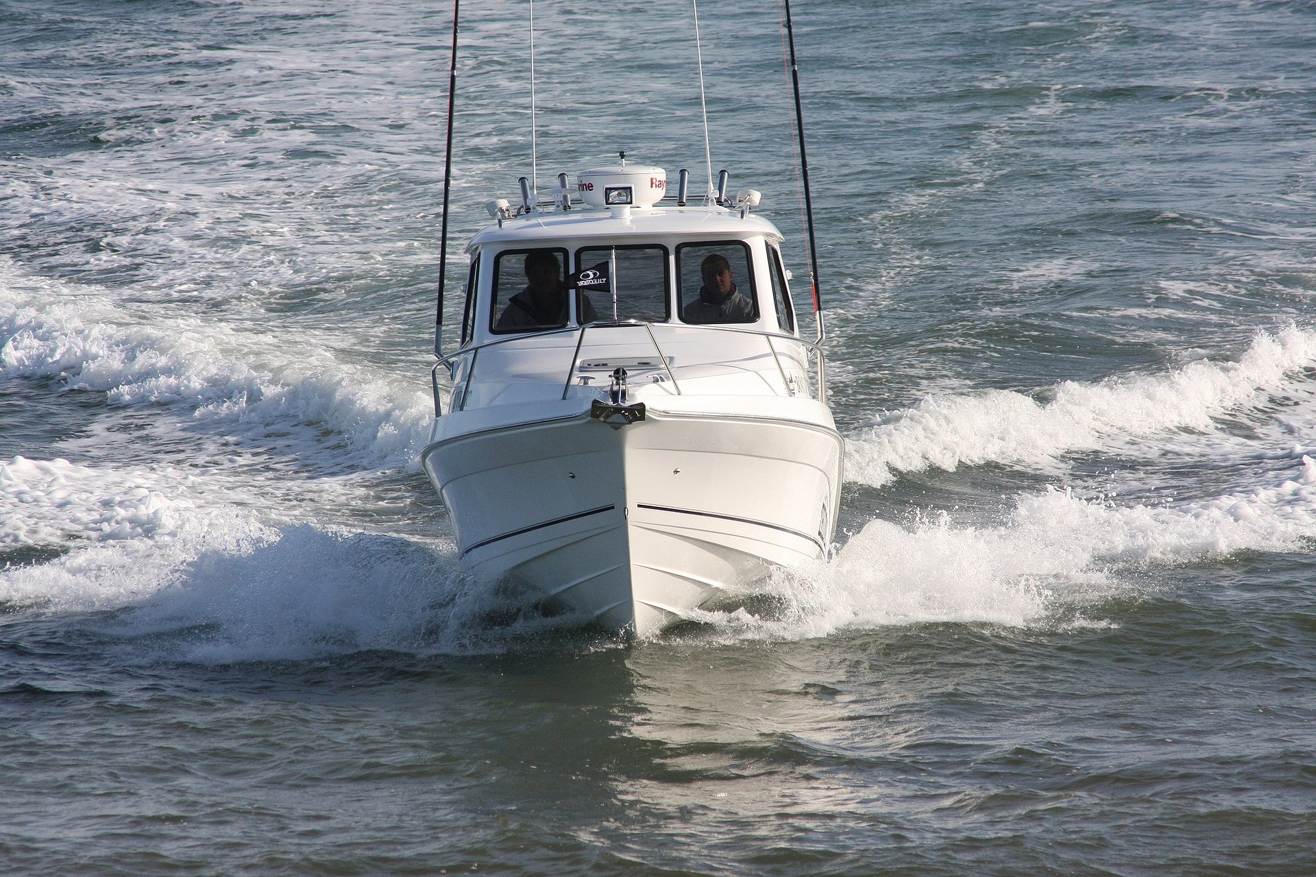Theodore 720 Offshore front