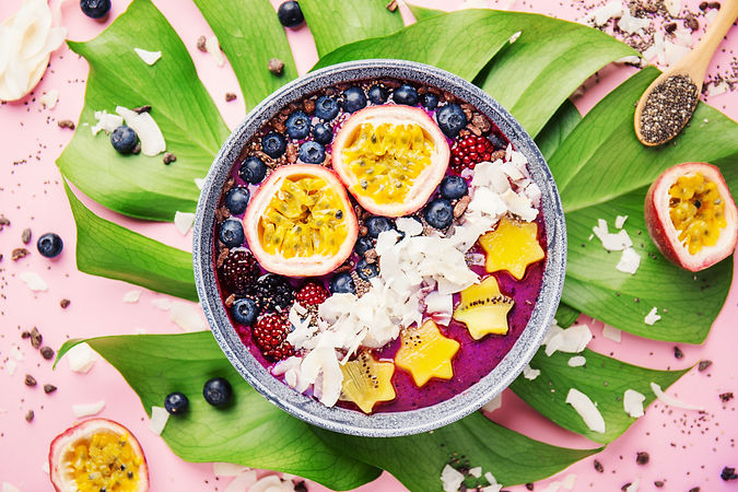smoothie-acai-bowl-served-in-bowl-on-pin