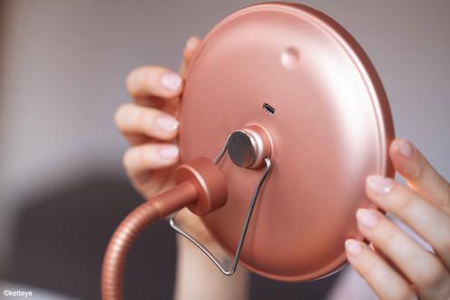Standmodul in rosé-gold mit abnehmbaren Spiegel und USB-Anschluss