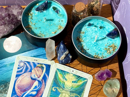 Dream potion spell candle, with Moldavite and Mexican dream herb