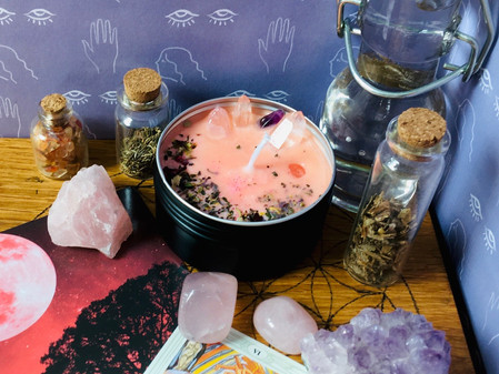Love spell candle, repel toxic relationships and attract what you need