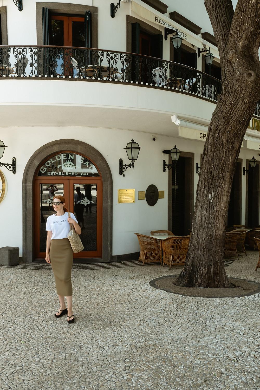 Suvelle em frente ao Grand Cafe no centro do Funchal