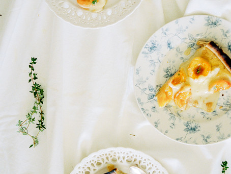Apricot brûlée tart with spelt crust