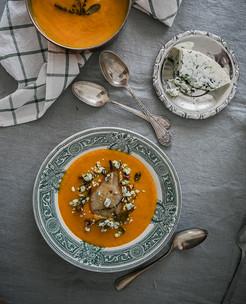 Sopa de Abóbora assada com pêras e queijo azul
